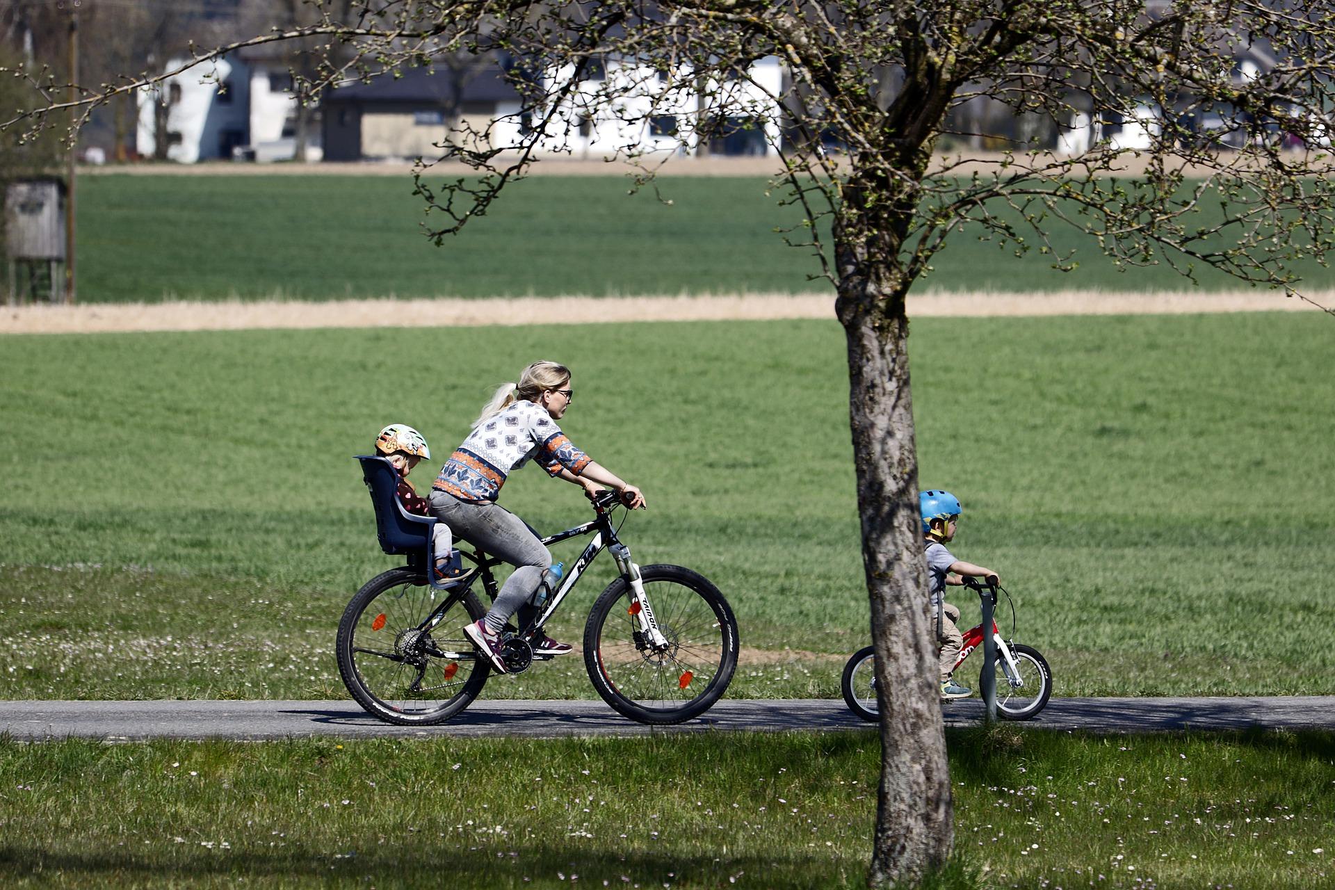 """Mobilitätsserie """"Rad im Alltag"""" – Rad und Kind"""